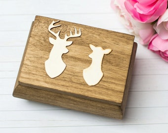Wedding Ring Box Buck and Doe Ring Box Holder Country Rustic Personalized Wedding decor Ring Bearer Moss Ring Box Kissing Buck and Doe