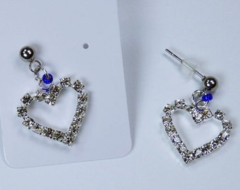 Sparkling Heart Earrings with blue beads and earrings made of stainless steel