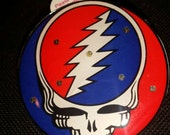 Grateful Dead Stealie LED Lights Pin / Necklace - Pendant and Lanyard Blinkee with batteries included - colorful electronic trip toy - SYF