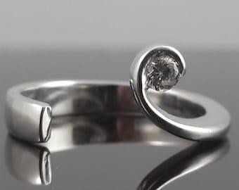 Beautiful white gold diamond right hand ring 10k SI GH handmade