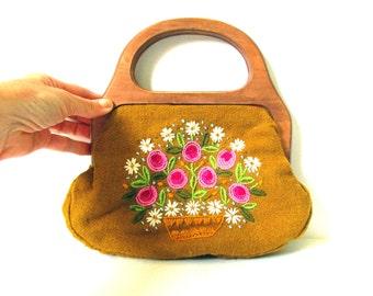 Vintage Bermuda Bag, 1960s Hand Made Purse Handbag, Wood Hinged Handles, Crewel Embroidery Roses & Daisies Flowers, Neutral Gold Hot Pink