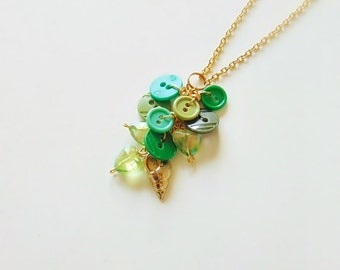 Button necklace pendant, button jewelry, charm necklace, long necklace, versatile, summer jewelry, green jewelry, buttons, green, for her