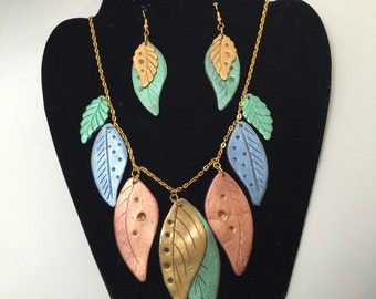 Hanging leaf statement neclace and earing set