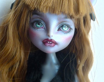 Sold**OOAK Monster High Mouscedess repaint by Nick-Ole