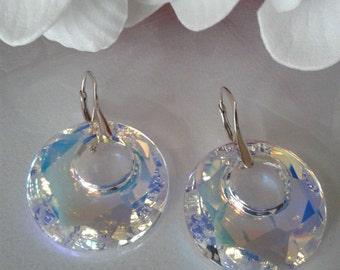Beautiful earrings with dazzling Swarovski Crystal
