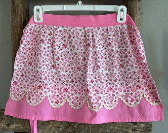 Cute Vintage Pink Floral Hostess Apron