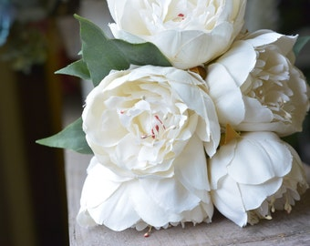 Lovely Peony Bunch in white -ITEM015