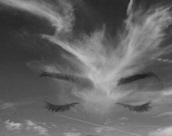 Skyline sleeping(Fine art photography,fotomontaje,cielo,ciudad,horizonte,nubes,ojos,dormir,zen,relax,catedral,meditación,avión,arquitectura)