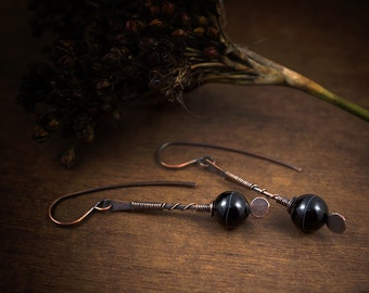 black agate earrings - white striped agate stones - simple earrings - handforged copper - oxidized - raw - elongated earrings - hand made