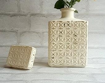 Cream decanter vase