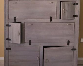 Naeem chest of drawers