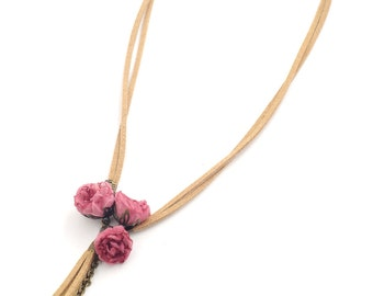 Rosemarie necklace, powder