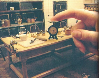 QUEEN MARY'S doll's house & DOLL House of the 20's
