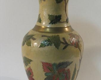 Vase copper enameled, enclosed grounds