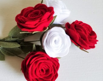 Red and White Rose Bouquet / Felt Flower Bouquet / Wedding Bouquet / Bridesmaid