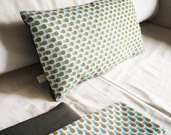 Rectangular cushion pineapple