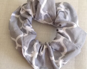 Gray Links Scrunchie
