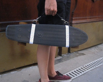 Skateboard and cruiser made hand carrying handle / / reason arrows
