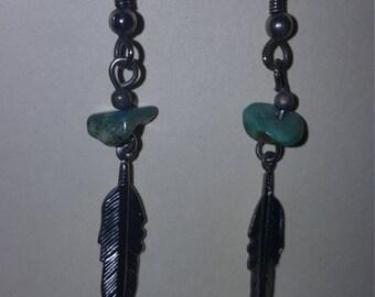 Silver metal Earrings w/Turquoise