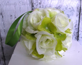 Pomander, Wedding flower ball Green and white rose , Flower girl kissing ball Wedding decorations