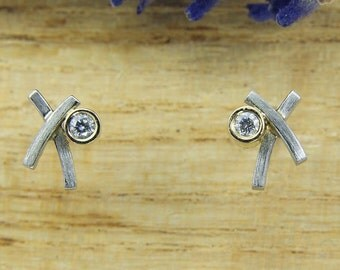 Stud Earrings Platinum with brillant