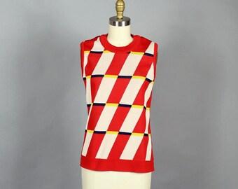 1970s red tessellate sweater vest . geometric knit waistcoat . womens pullover sleeveless . womens geometric sweater . medium large