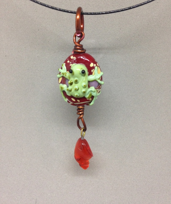Tree frog coqui pendant on vintage style 20 inch snake chain wire