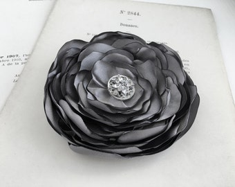 Grey Flower Hair Clip.Medium Gray Flower.Hair Accessory.Brooch.Pin.Corsage.Pewter.Gray.Platinum.Slate Gray.Medium Grey wedding hair piece
