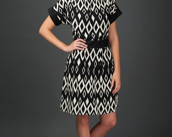 Ella dress - geometric print dress with belt and pockets