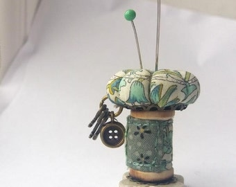 """Pincushion Ornament, Sewing Accessory """"Lodden"""""""