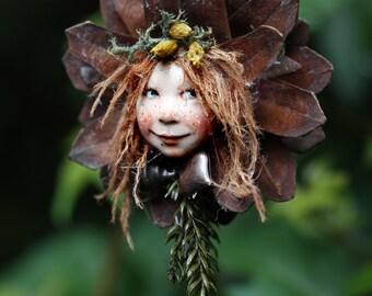 Pixiegirl Sita handmade decoration, Zapfenkind