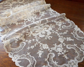 Reserve for C VINTAGE Ecru Netted Lace Needle Work Table Runner Doily L11