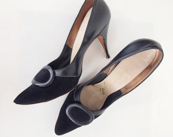 50s 60s Black High Heel Pumps - The American Girl Shoe 8.5 AA