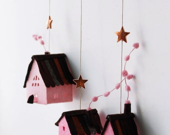 Houses ornaments felt,  Set of 3 rustic cottages, Handmade Housewarming Gifts, Pink shades.