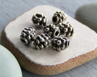 Small silver Metal beads patterned oval bali style spacer metal casting beads - pewter tone,antiqued silver tone 6 x 4mm (20 beads ) 6as4056