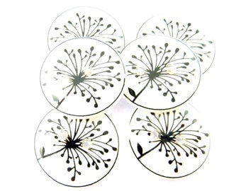 """6 Flower Buttons. Black and white Flower  sewing buttons. 3/4"""" or 20  mm round. Dandelion Buttons."""