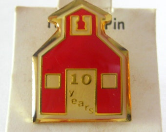 Red School House 10 Years Pin Pinback Tack Old Stock 1980's Vintage Free Shipping