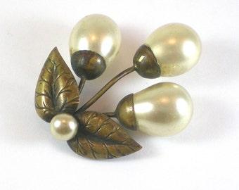 Antique Art Deco Brass Brooch Pin , Brass Faux Pearl Deco Brooch , Brass Flower With Leaves Brooch , Vintage Jewelry