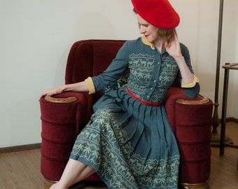 Vintage 1950s Dress - Fantastic and Unusual Vintage Gabardine Day Dress with Novelty Border Print of Camels and Palm Trees