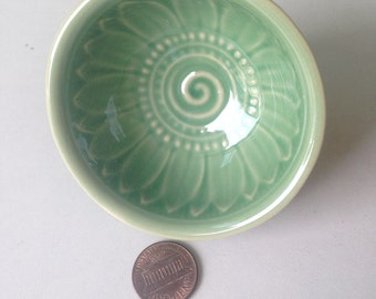 Ceramic Bowl, green, flower, flower bowl, rice bowl, soup bowl, sauce, round, mini, small, decoration, bowl, bali, thai, decor, lotus, mint