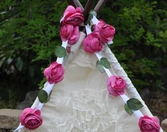 floral garland -- flower garland, garland, floral bunting