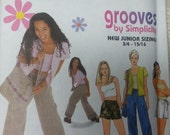 Grooves Junior Size Pajamas Pattern Junior Girls Size AA 3-4 9-10 Uncut Slumber Party style Pajamas