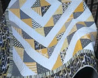 Quilt Modern Quilt Grey, Citron Yellow, Black, Giraffe and White - Gender Neutral Crib Quilt - Toddler Quilt