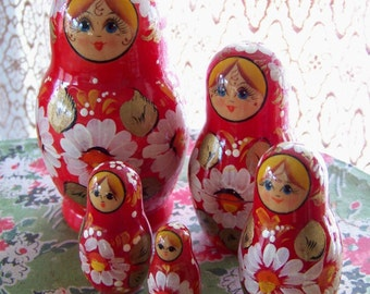 Vintage Matryoshka Russian Doll Signed Set 5 piece