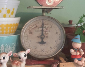Vintage Scale ~ UNIVERSAL ~ 20lbs ~ Family Scale ~  Landers, Frary, & Clark ~ Rustic Farmhouse/Primitive Look