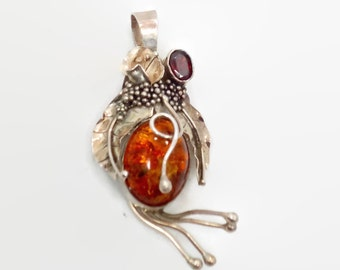 Amber Pendant, Garnet, Vintage Pendant, Sterling Silver, Organic, Vintage Jewelry, Statement, Unique, Boho Bohemian, Oval Stone, Detailed