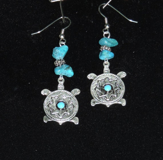 EARRINGS, DANGLE, aztec, southwestern, indian, turquoise, turtle charms with carvings and turquoise
