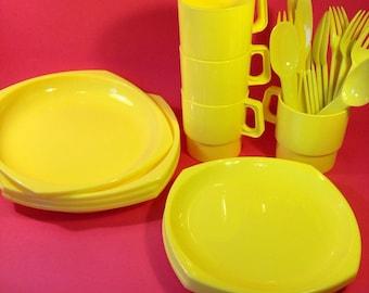 Vintage Picnic Set - Patioware By Twinco - Vintage Sainsbury's Picnicware - 24 Piece Dining Set - Camping - Festivals - Caravanning - Picnic