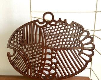 Vintage Dansk Denmark Plastic Fish Hanging Trivet Chocolate Brown Gourmet Designs