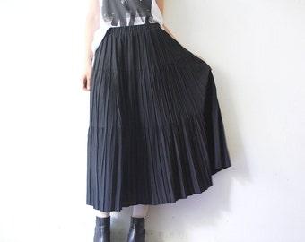80s witchy skirt. black maxi skirt. full skirt - medium